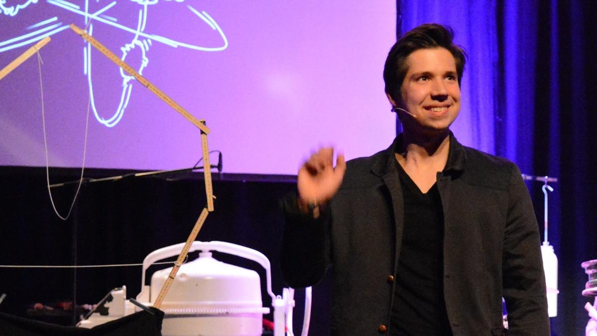 Tim Strobel: Physik ist keine Magie  (c)