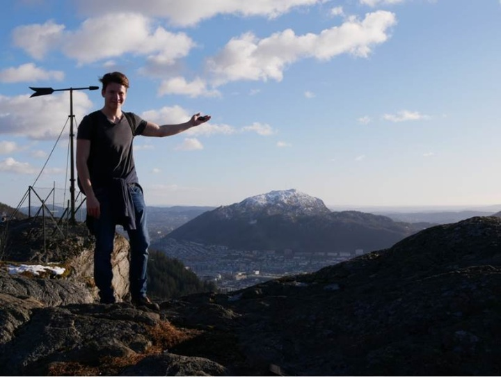Lorenz Meyer mit den Bergpanorame in Norwegen