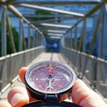stukus-kompass-introbox