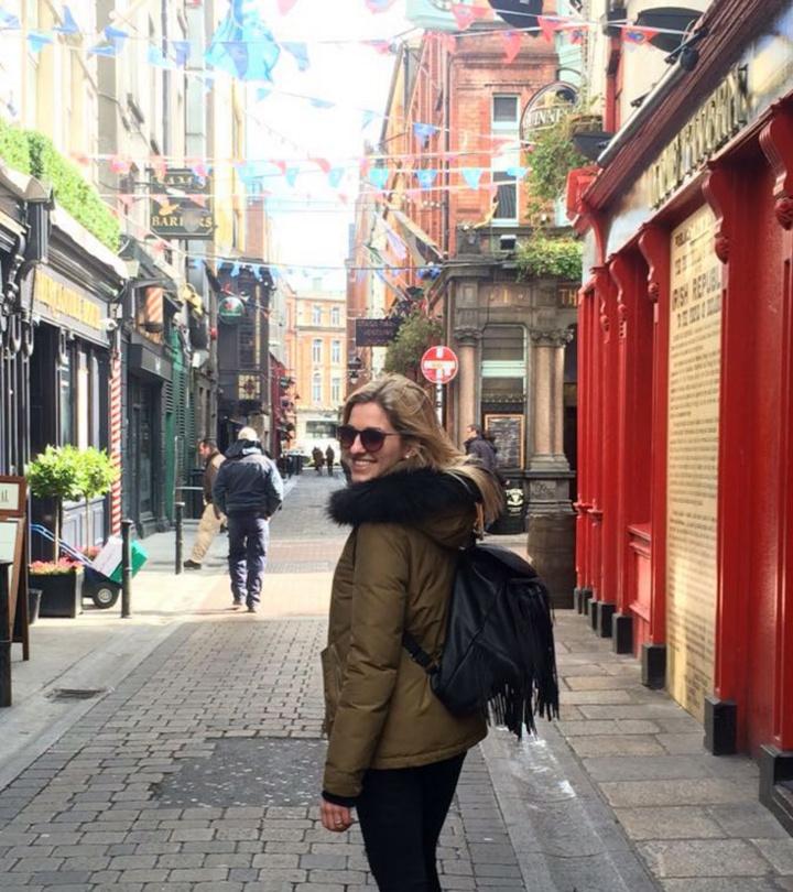 Lina Baier in der Innenstadt von Limerick