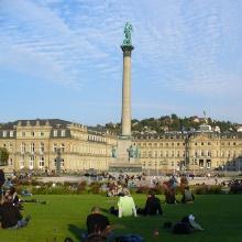 Blick auf den Schlossplatz von Stuttgart